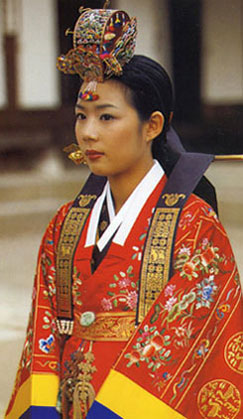 Young woman wearing ceremonial hanbok, the traditional Korean costume