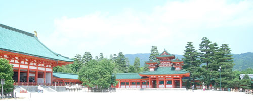 courtyard at Heian Jingu