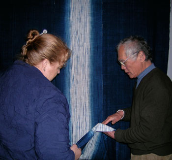 Shindo-sensei explaining the shibori indigo dyeing process to Australian textile artist Wendy Carroll